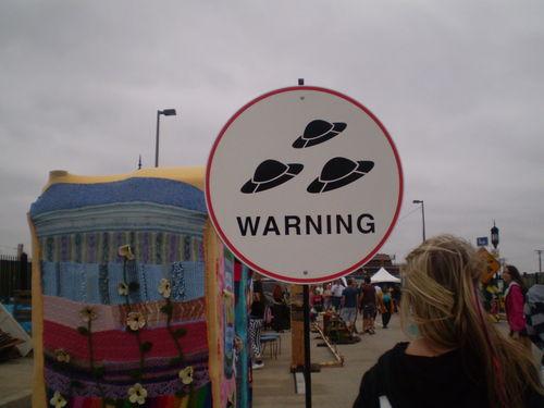 UFO varning! (via thecuriousbrain)